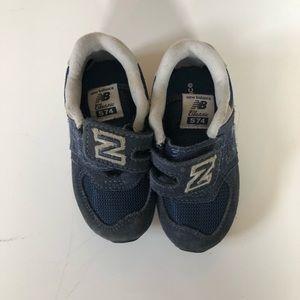 Navy New Balance Shoes - Size 7